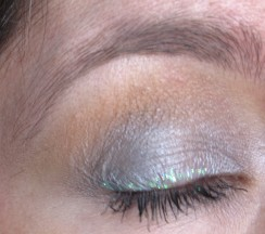Silvered Peach (with glitter liner)