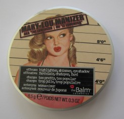 Mary-Lou Manizer powder container