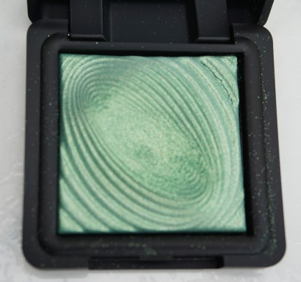 Kiko Water Eyeshadow in 210 Golden Green