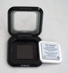 Compact with shade 20 eyeshadow pan taken out