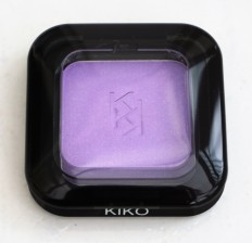Top of shade 24 eyeshadow compact